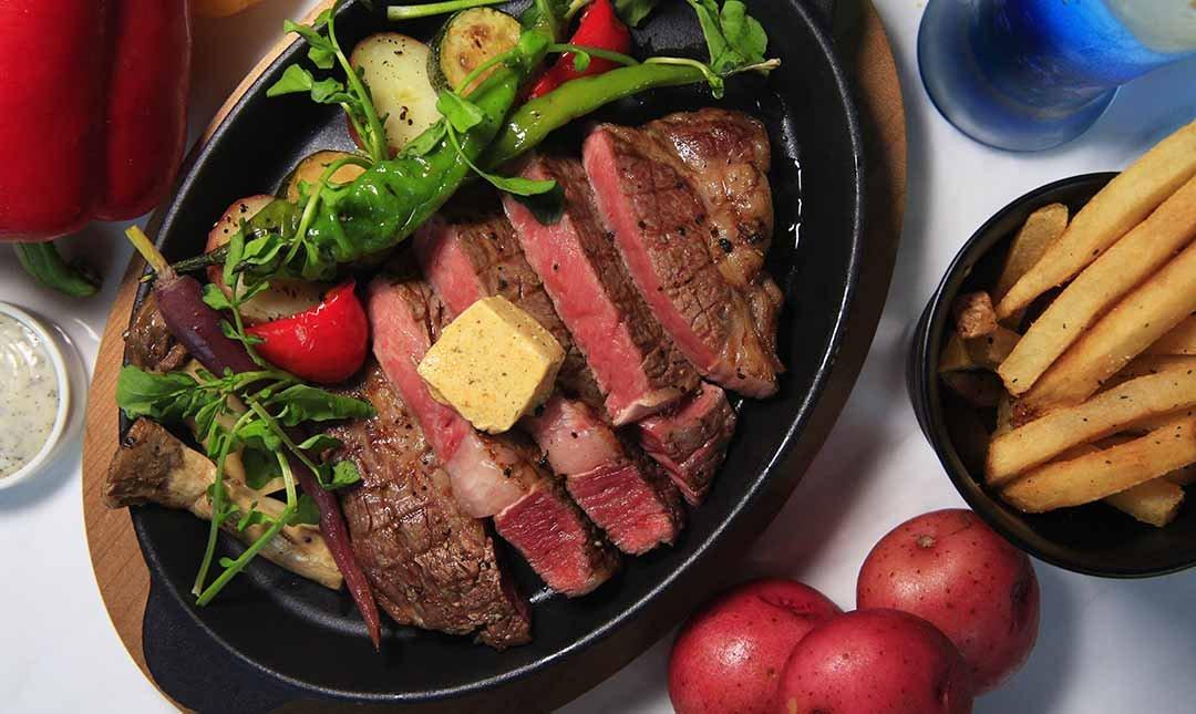台北泡泡飯店 Ch-eat&Drink-經典排餐|12oz肋眼牛排+松露薯條