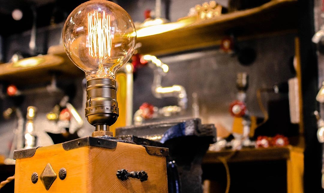 HUBOX DIY 手創館-工業造型桌燈手作 1h (贈氮氣咖啡)