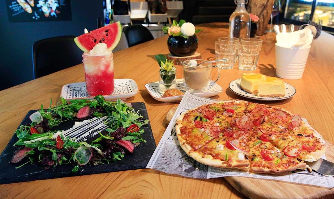 棧 FML Cafe 花樣拿鐵-薄皮Pizza雙人好時光