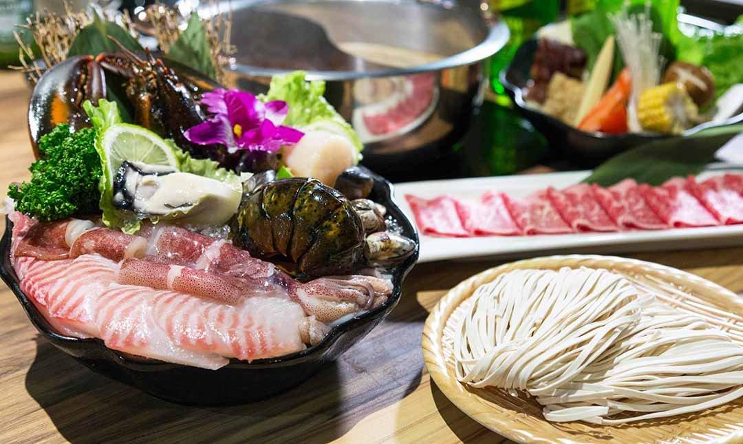 鍋台銘 x 黑毛和牛頂級鍋物-波士頓龍蝦海陸鍋 | 贈 5 oz肉品