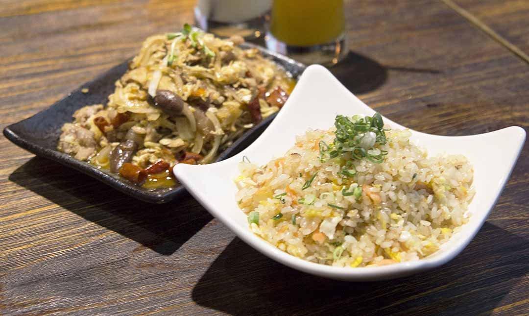 熊燒 Bar 創意餐酒館-鮭魚炒飯 + 特製炒麵 +120 元飲品