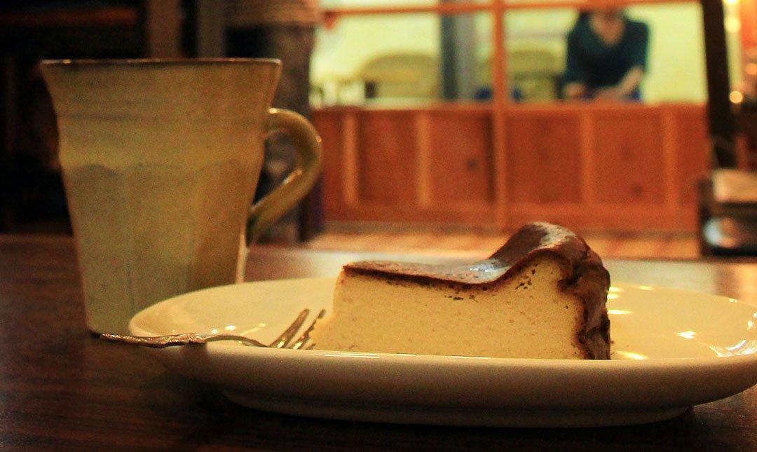 自家焙煎珈琲 道草咖啡-超紮實口感:手作沖繩黑糖Cheese蛋糕