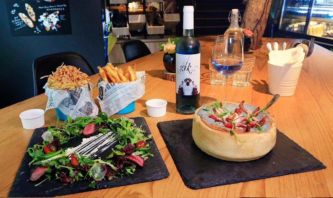 棧 FML Cafe 花樣拿鐵   劍南路站-深盤 Pizza 4 人分享完美餐