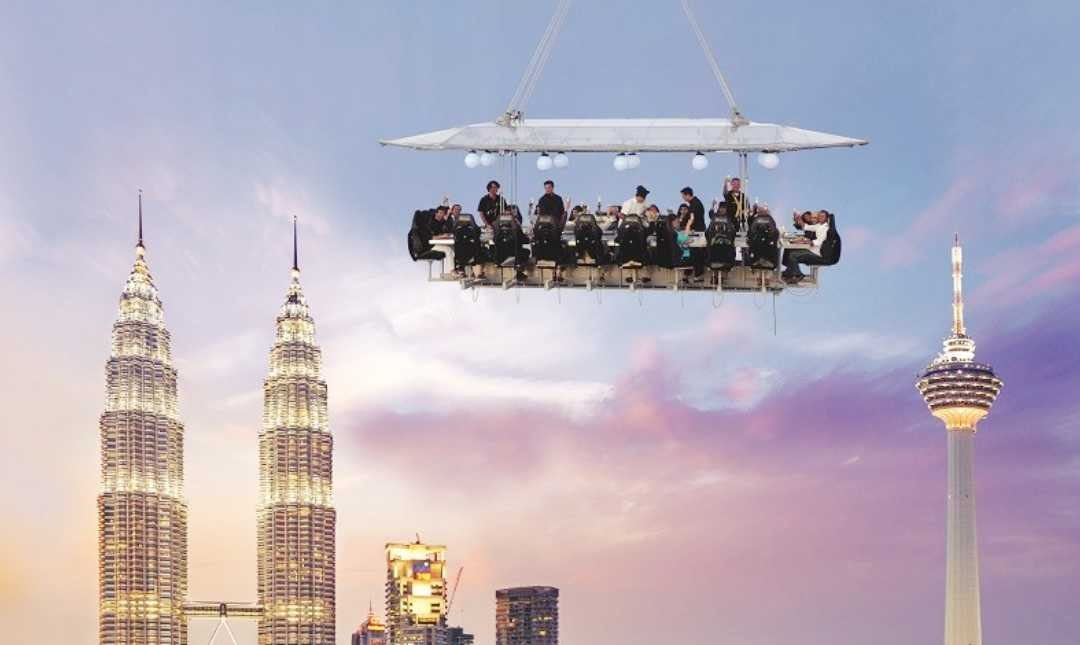 Dinner In The Sky-2 Person   Valentine's First Class Set Menu   4 Courses