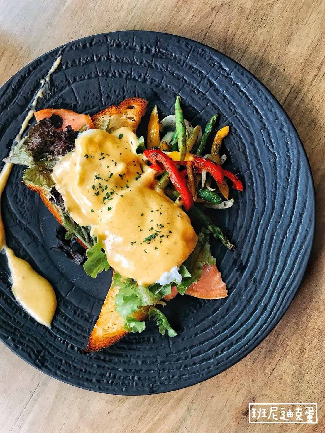 //cdn.funnow.com.tw/images/oblog/eggbenedict_0a2818.jpg